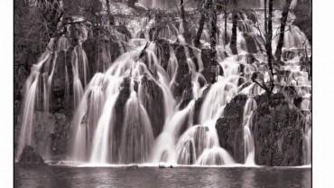 Basisch ionisiertes Wasser